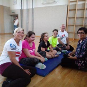 Bild zu: MIT GESCHLOSSENEN AUGEN - zu Besuch beim Jugendturnen des Blindensportverbandes