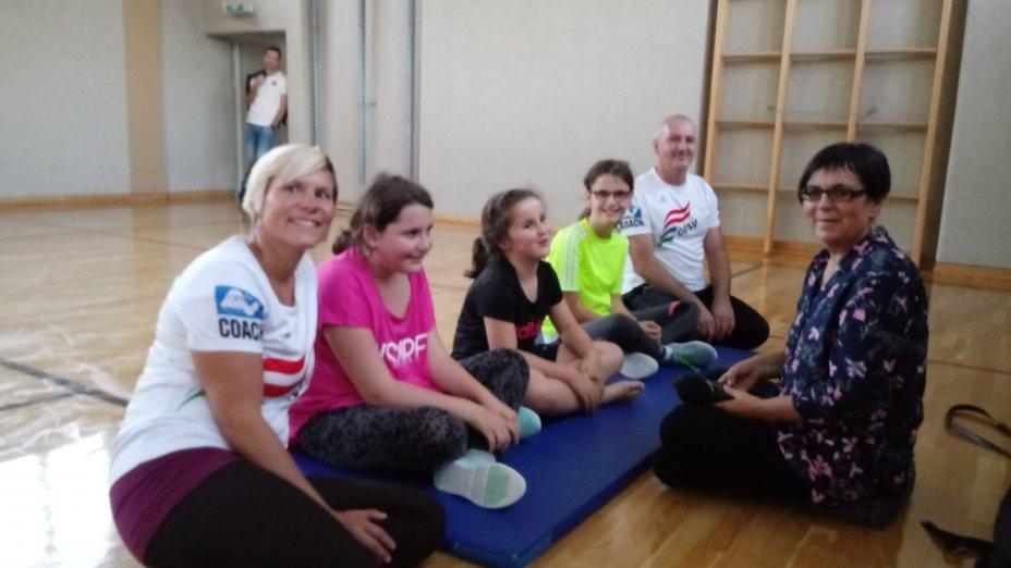 MIT GESCHLOSSENEN AUGEN - zu Besuch beim Jugendturnen des Blindensportverbandes