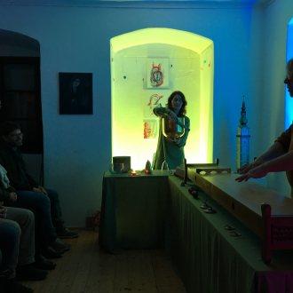 Bild zu:Adventstimmung mit Kristallklängen am Stadtpfarrturm zu Klagenfurt