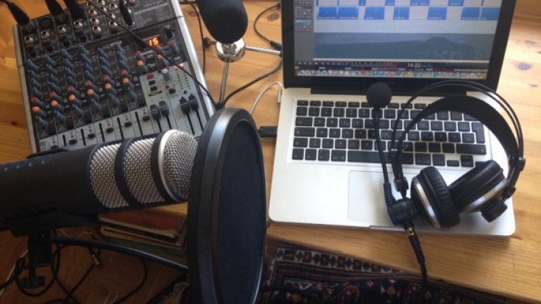 Bild zu: Wie werde ich Radiomacher_in!? I Kako postanem radijka, radijec!?