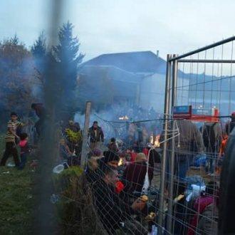 Bild zu:Stimmen aus dem Niemandsland - Grenzerfahrungen an der Balkanroute