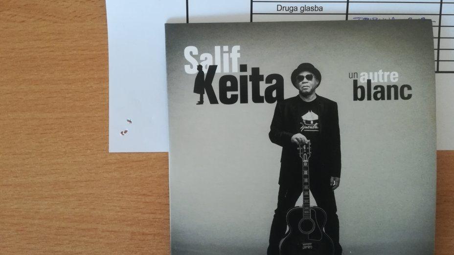 Salif Keita: Un Autre Blanc
