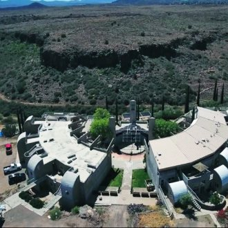 Arcosati Core - aerial view - Source U.S. State department (Free for reuse) https://gr.usembassy.gov/insiders-guide-arcosanti-architectural-experiment-arizona-desert/